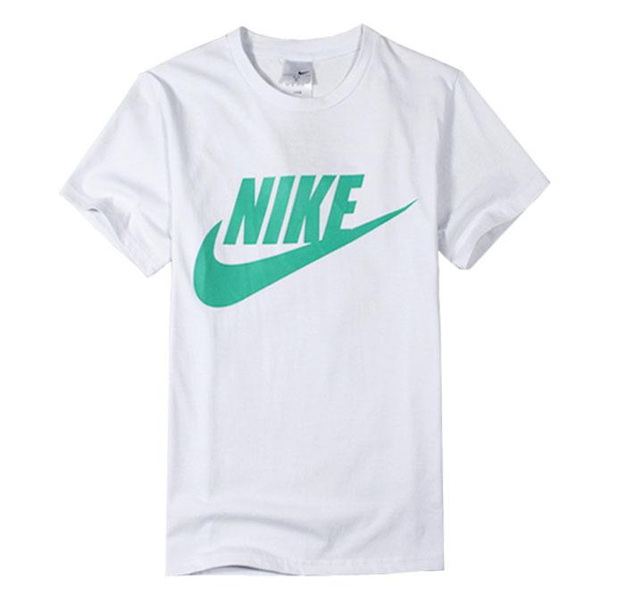 חולצת נייק