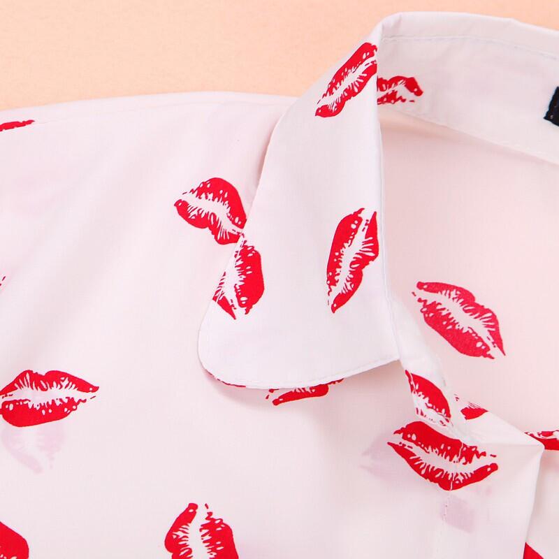 Блузка С Поцелуями