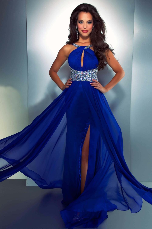 Девушки в синих вечерних платьях