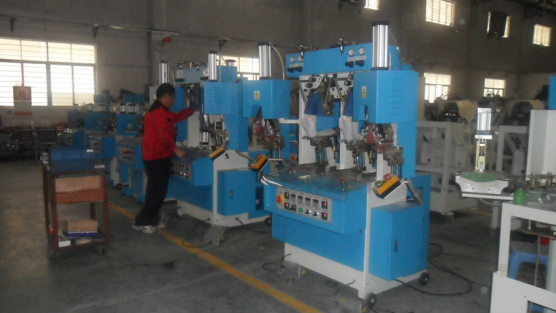 shoe heel moulding machine
