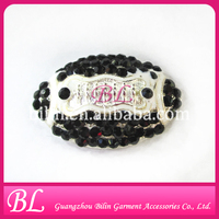 fashion jewelry soccer rhinetone brooches for wedding invitation