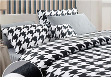 Wholesale Queen/King size fashionable Black and White series Stripes cotton 4pcs comforter/china duvet cover set