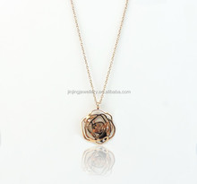 Stainless Steel Rose Quartz Necklace Newest Flower Design Gold Necklace