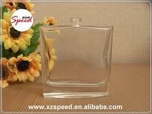 100 ml carré parfum bouteille en verre avec pompe de pulvérisation pour parti utilisation