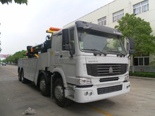 Sinotruck HOWO wrecker truck 8x4 heavy recovery tow truck for sale