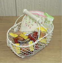 Vintage-style Wire Shabby Garden Chic Basket, Home Decor, Wooden Handles, Oval Shape, Multipurpose