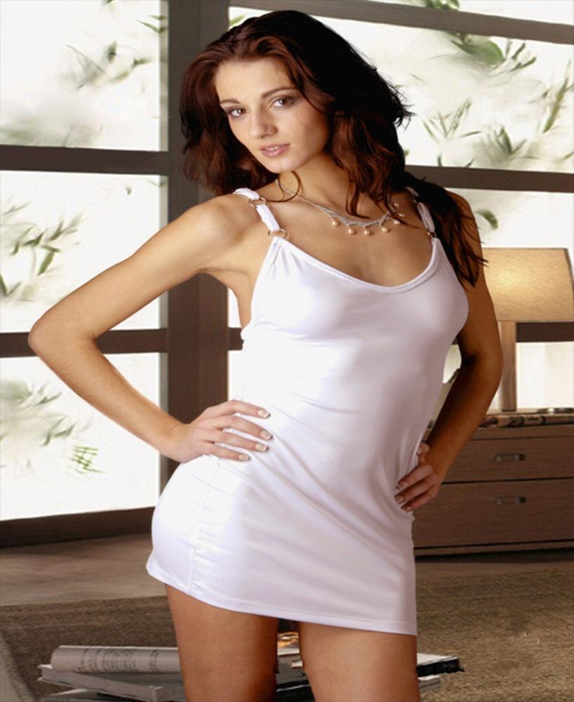 Красивые девушки в сексуальных платьях (43 фото)