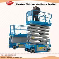 Man lift self-propelled scissor lift of hydraulic type