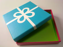 Caja de cartón de color