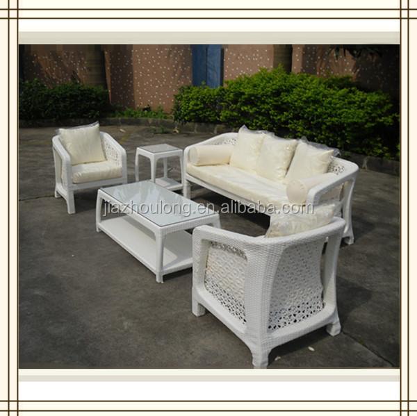 Canap d 39 ext rieur table utilis blanc meubles en osier for Table exterieur osier