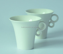 High Quality Unique white porcelain coffee Mug with handle for wholesale