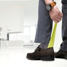 cheap shoe horn with a magnet