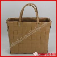 Handmade woven colorful plastic wholesale handbag china