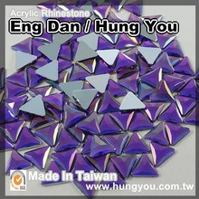 Made in Taiwan Garment Accessories 20mm Triangle Shaped Rhinestone With Silver Foil Back