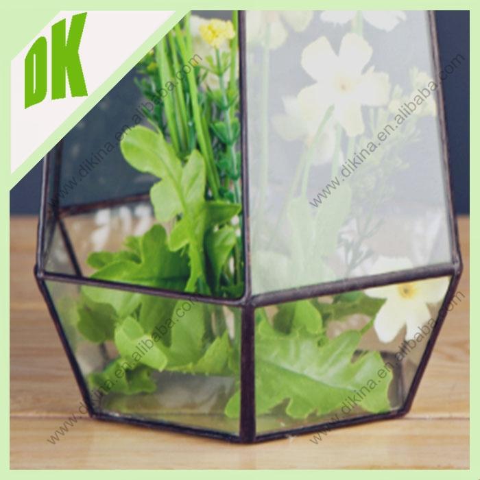 Arrosoir de jardin planteur en terre cuite g om trique for Decoration jardin grenouille