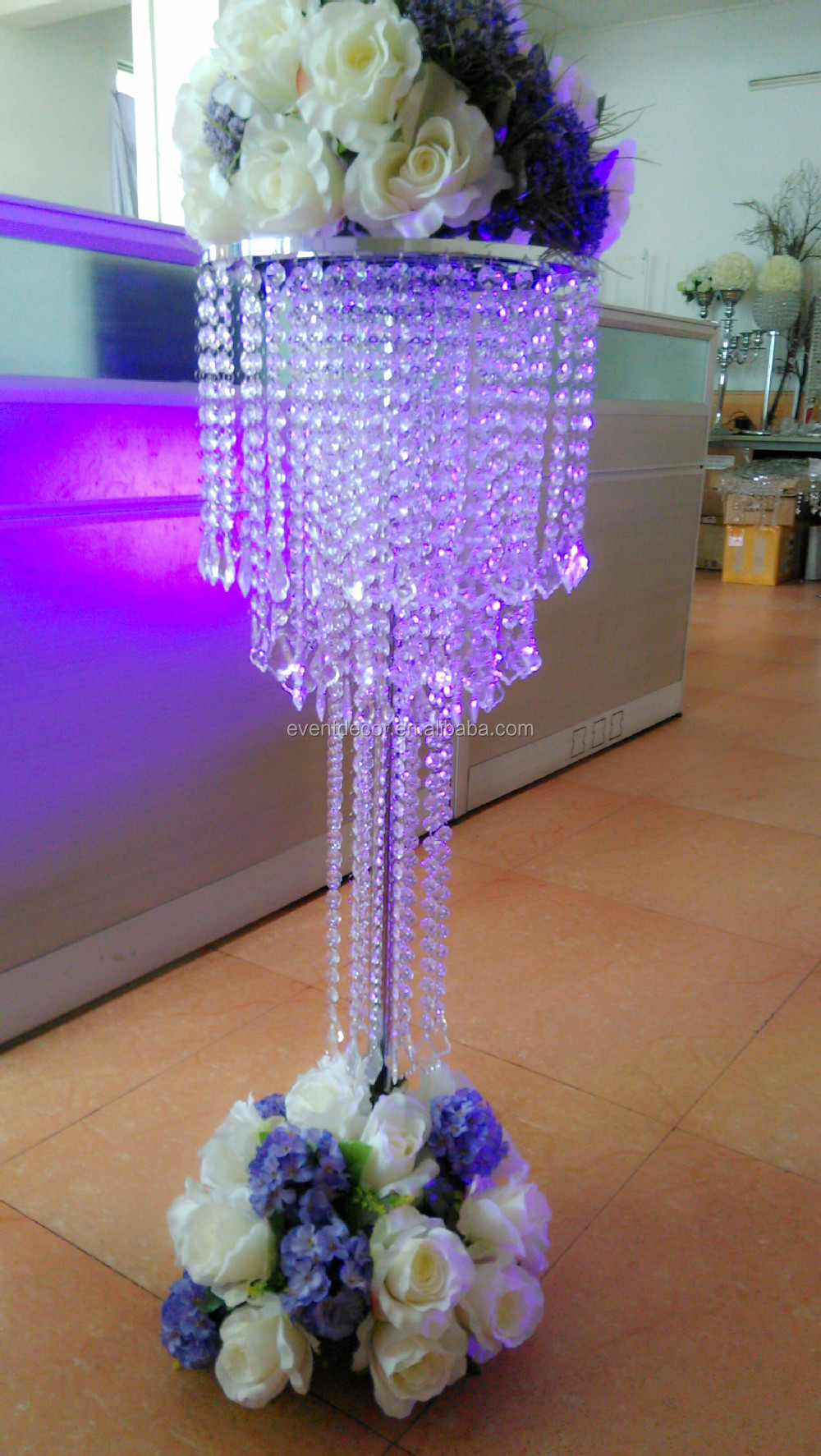 Large crystal chandelier table top centerpieces for for Chandelier table decorations