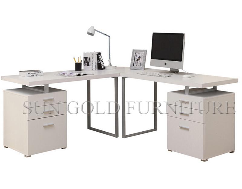 Sencillo y moderno mobiliario de oficina en casa, extractor de ...