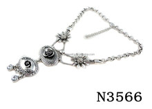 N3566 Beautiful Charming Silver Vintage Pendant Necklace