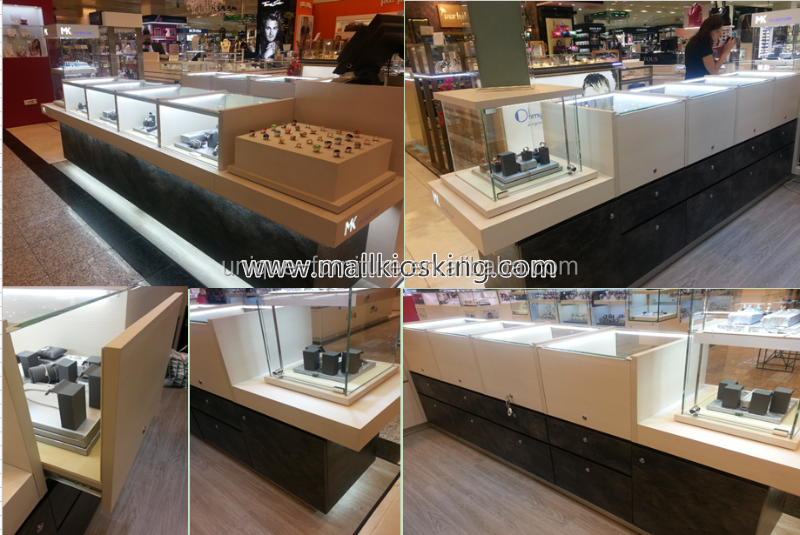 jewelry display showcase in shopping mall (1)_