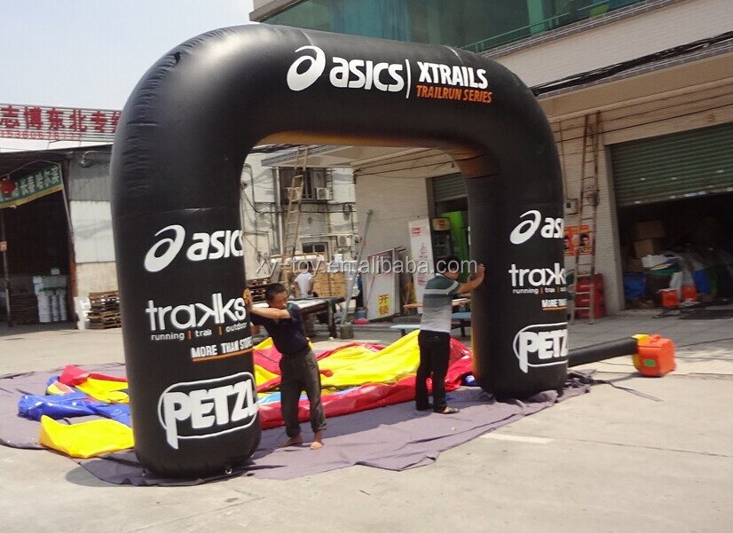 Advertising inflatable tubular arches with banner