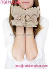 (RSH13042) Ladies Ruffle Knitted Gloves with Bow
