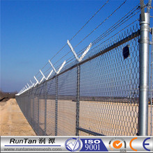 Runtan chain link galvanized fence with top barbed wire diamond wire mesh) for airport filed fence