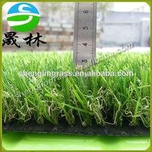 Resourced artificial hierba fabricante