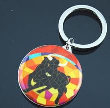 Spanish bullfight pattern key holder promotional metal souvenir gift keychain for travelers