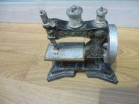 2014 Newest Top Quality Fashion mini sewing machine