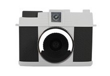 """NEW product digital camera Max 7.0 MP 1.8"""""""" TFT LCD with 4X Digital Zoom DC-580"""