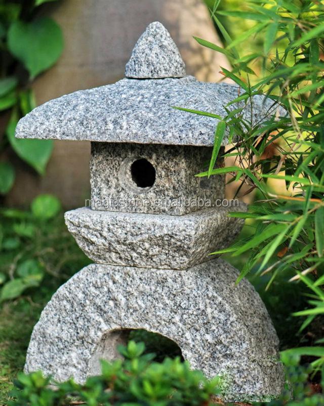 Japonais Lanterne De Jardin Sculpture Pour La Vente