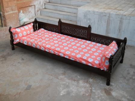 Wooden sofa cum diwan buy diwan sofa sets product on for Diwan models india