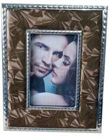 Fancy metal wedding souvenirs frame photo