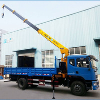 Small telescopic boom truck crane with hydraulic system control for sale