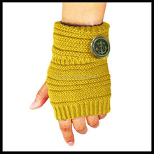 Factory Wholesale Button Side Cycling Knit Gloves