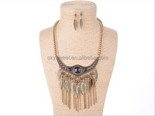 European and American retro leaf shaped tassel necklace jewelry set