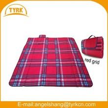 rubber backed fleece portable waterproof designer scottish roll-up plaid fleece picnic blankets wholesale
