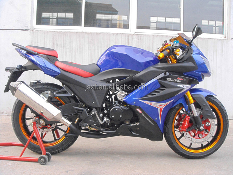 150cc et 200cc et 250cc et 300cc Moto, Motocicleta, sport moto