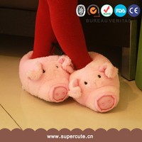 Lovely fashion design pink pig shape kids animal shaped slippers