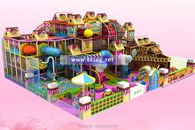 parco giochi al coperto colorato parco giochi per bambini castello