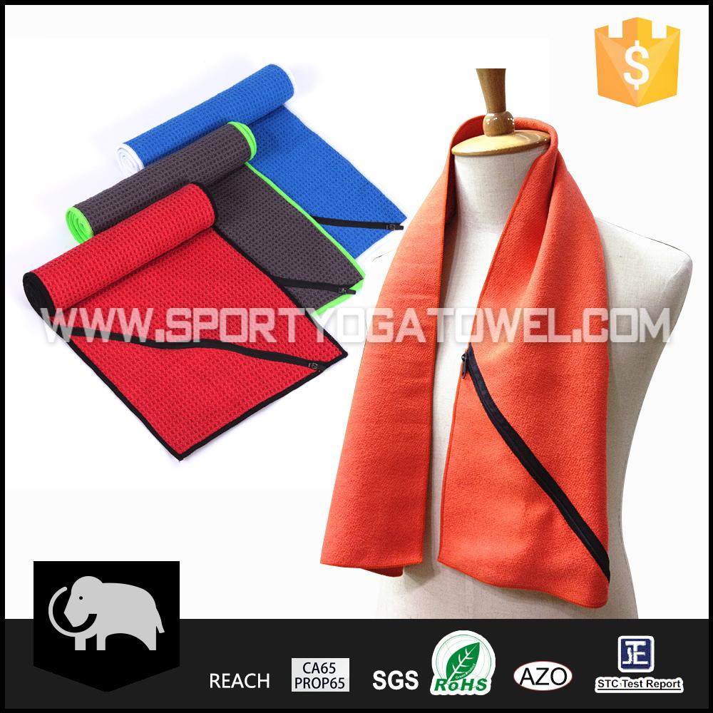 Microfiber Gym Towel With Zip: Quick Dry Microfiber Fitness Custom Gym Towel With Zip