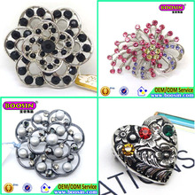 China wholesale crystal brooch,Latest Fashion Brooch Pin