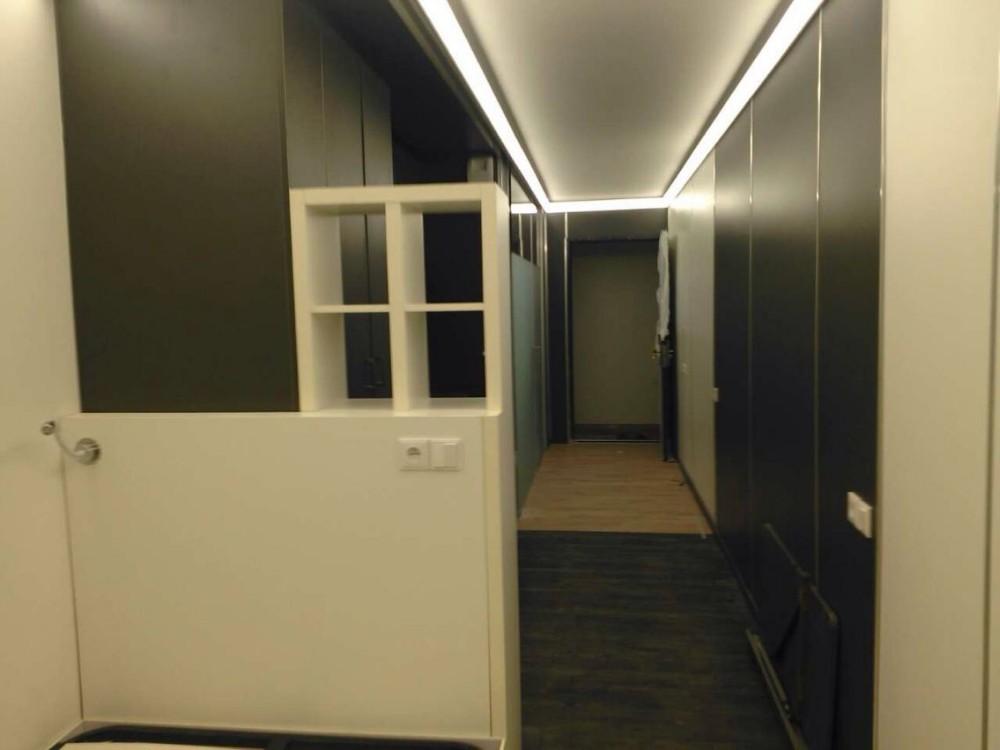 pr fabriqu s plusieurs tages en acier modulaire. Black Bedroom Furniture Sets. Home Design Ideas