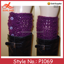 P1069 OEM handmade crochet solid color women leg warmers with buttons pattern