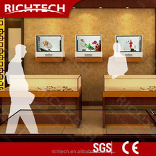 Richtech 46'' three side transparent boxes with dynamic pictures and videos