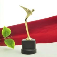 popular de mejor venta de latón de metal trofeo de la copa de figuras