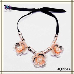 Vintage Artificial Rose Gold Flower Pendant Alloy Handmade Fabric Chain Women Necklace
