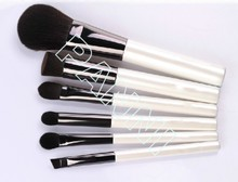 Top grade cheapest wood hand artist cosmetic brush set