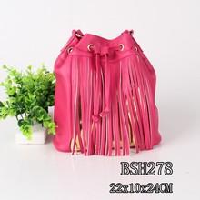 China fashion hot sale long tassel upscale red shoulder bag