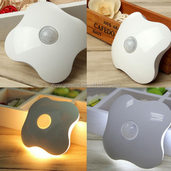 Creative Four Leaf Clover LED sensor light, light-operated night light, warm and white light